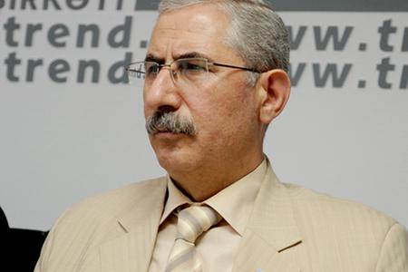 """Deputat Bəxtiyar Sadıqov iqtidarla müxalifətin """"pambıq savaşı""""ndan danışdı"""