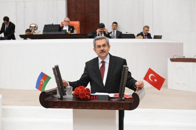 Türkiyəli deputat Azərbaycanı təbrik etdi