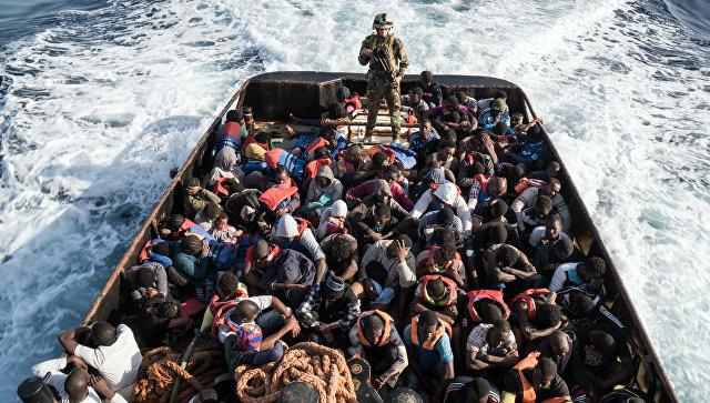 Miqrantları daşıyan gəmi batdı: 100 nəfər itkin düşdü