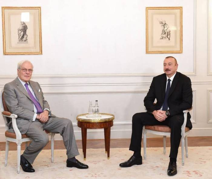 Prezident Parisdə bır sıra görüşlər keçirib - Yenilənib