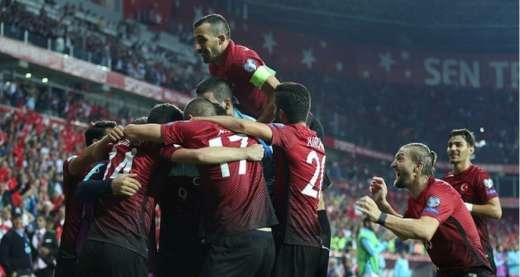 """Türk futbolçu rekord məbləğə """"Liverpul""""a gedir"""