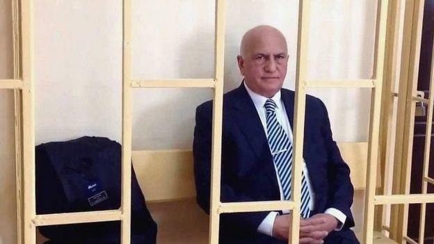 Prezident Əli İnsanovu əfv etdi