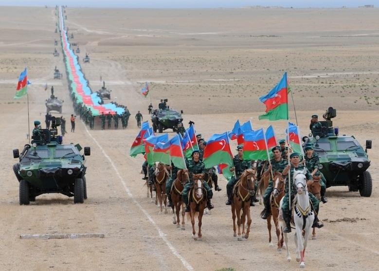 Azərbaycanda 5 km 100 m uzunluqda Dövlət Bayrağı hazırlandı
