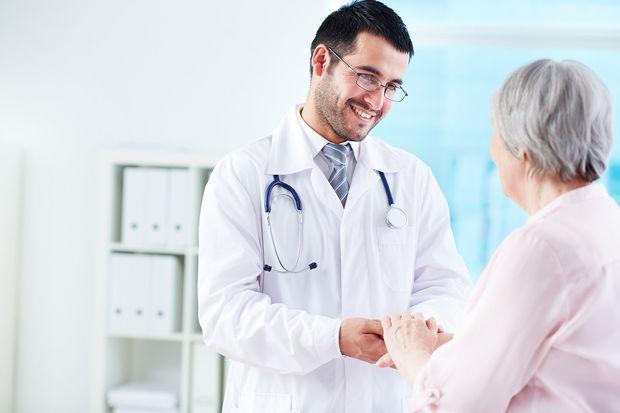 Bir həkimin bir neçə klinikada işləməsi doğrudurmu?